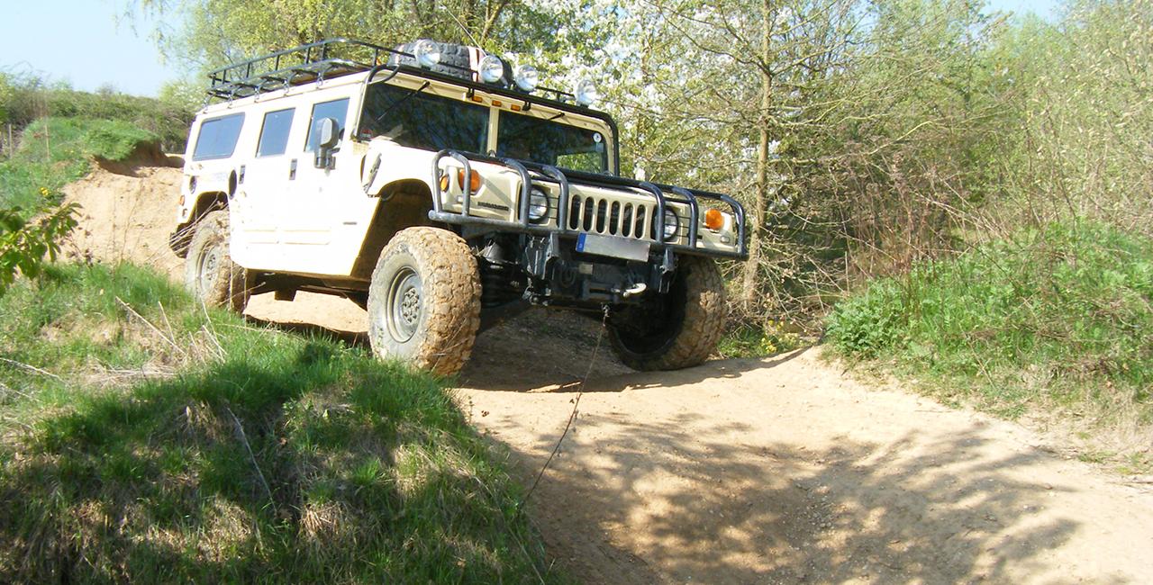 2 Std. Hummer H1 offroad fahren in Knüllwald, Hessen