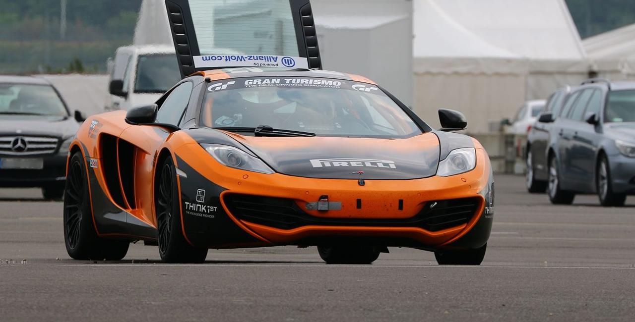 3 Runden Renntaxi McLaren MP4-12C auf dem Eurospeedway Lausitz