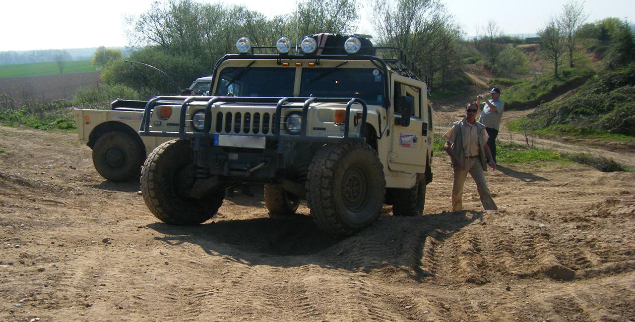 60 Min. Hummer H1 offroad selber fahren in Pelm