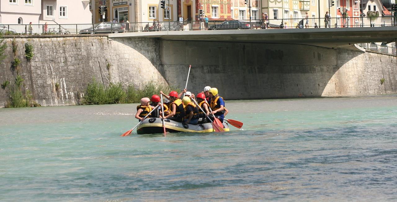 Raftingtour auf dem Rhein in Köln, NRW